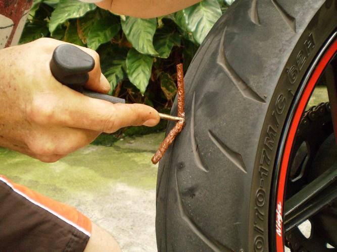 Bơm lốp thế nào cho đủ?