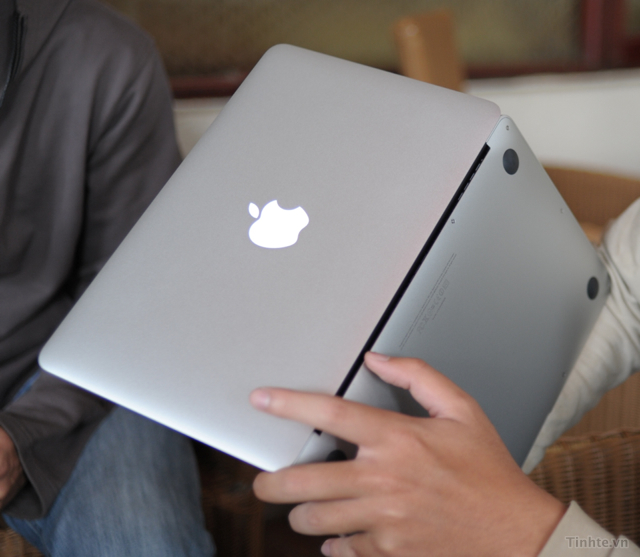 sử dụng macbook cũ